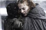 http://www.elbakin.net/plume/xmedia/fantasy/news/trone/thumb/Reactions-Jon-Snow-Sansa-Stark-Reunion.jpg