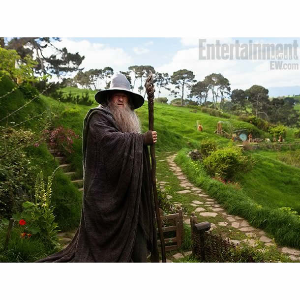 http://www.elbakin.net/plume/xmedia/film/news/bilbo/magazines/hobbit-ian-mckellen-entertainment-weekly.jpg